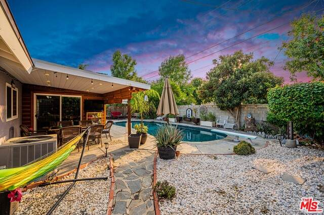 9351 Rhea Ave, Northridge, CA 91324 (#20-645734) :: Randy Plaice and Associates