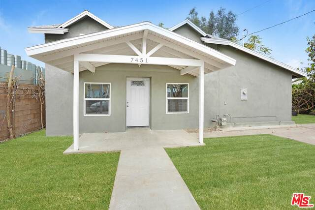 7451 Evans St, Riverside, CA 92504 (#20-645918) :: Arzuman Brothers