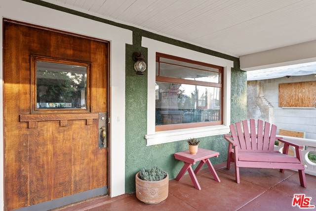 3516 5Th Ave, Los Angeles, CA 90018 (#20-646372) :: The Parsons Team