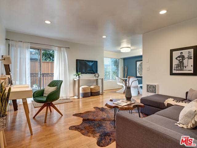 1125 Pico Blvd #105, Santa Monica, CA 90405 (#20-646456) :: The Pratt Group