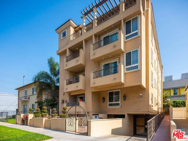 124 N Orlando Ave #301, Los Angeles, CA 90048 (#20-647048) :: Arzuman Brothers