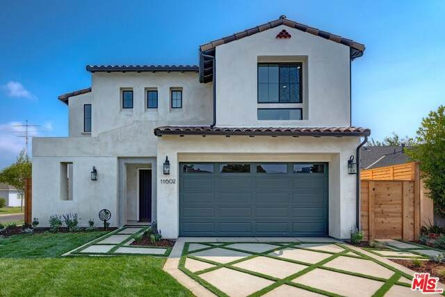 11602 Francis Pl, Los Angeles, CA 90066 (#20-647868) :: The Parsons Team