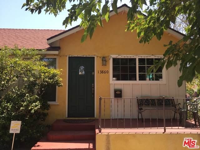 13860 Hamlin St, Valley Glen, CA 91401 (#20-647900) :: Arzuman Brothers