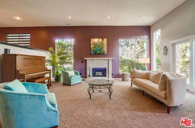 4647 Canoga Ave, Woodland Hills, CA 91364 (#20-648374) :: Randy Plaice and Associates