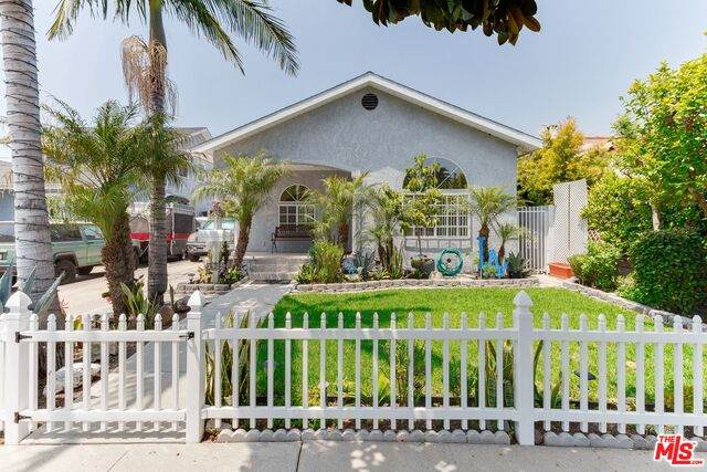 2905 S Harcourt Ave, Los Angeles, CA 90016 (#20-648548) :: Lydia Gable Realty Group