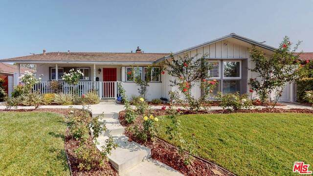 2906 Overland Ave, Los Angeles, CA 90064 (#20-648592) :: The Parsons Team
