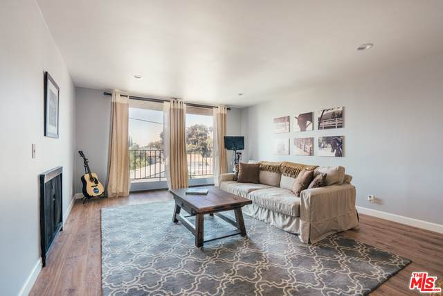 1401 Valley View Rd #326, Glendale, CA 91202 (#20-648804) :: TruLine Realty