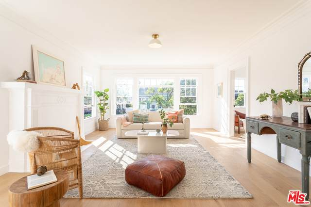 1640 S Gramercy Pl, Los Angeles, CA 90019 (#20-648846) :: Randy Plaice and Associates