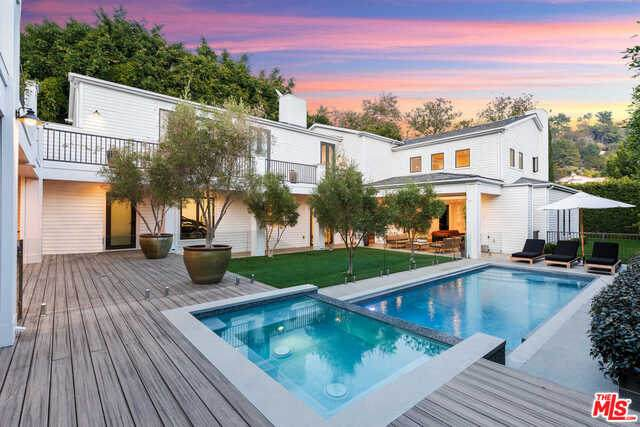 1387 N Doheny Dr, Los Angeles, CA 90069 (#20-649008) :: Arzuman Brothers
