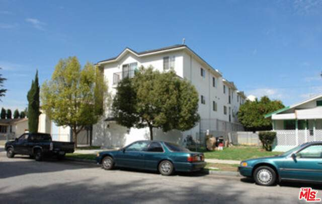 14121 Friar St, Van Nuys, CA 91401 (#20-649176) :: The Parsons Team