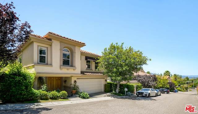 16774 Calle De Catalina, Pacific Palisades, CA 90272 (#20-649444) :: The Suarez Team