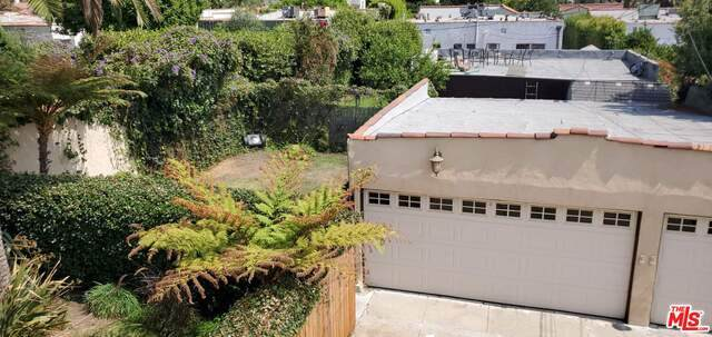 424-426 N Poinsettia Pl, Los Angeles, CA 90036 (#20-649540) :: TruLine Realty