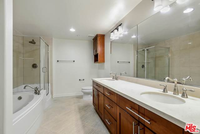 10803 Hesby St #102, North Hollywood, CA 91601 (#20-649628) :: Lydia Gable Realty Group