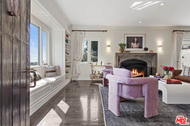 7859 Hillside Ave, Los Angeles, CA 90046 (#20-649688) :: The Pratt Group