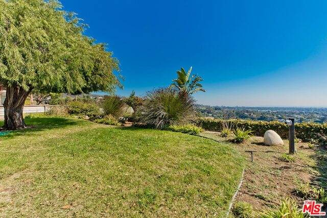 912 Lachman Ln, Pacific Palisades, CA 90272 (#20-649890) :: Randy Plaice and Associates