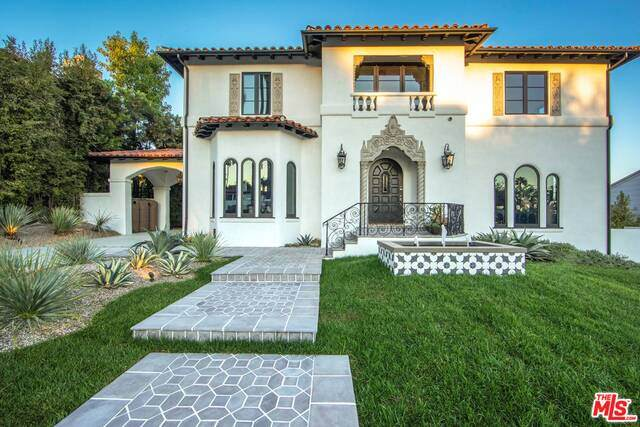 2340 Nottingham Ave, Los Angeles, CA 90027 (#20-649910) :: Lydia Gable Realty Group