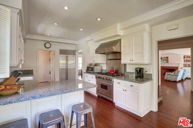 604 S Arden Blvd, Los Angeles, CA 90005 (#20-650204) :: Arzuman Brothers