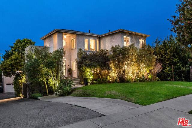 3743 Ocean View Ave, Los Angeles, CA 90066 (#20-650210) :: Arzuman Brothers
