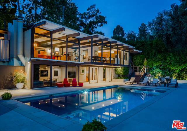 12314 Rochedale Ln, Los Angeles, CA 90049 (#20-650258) :: Arzuman Brothers