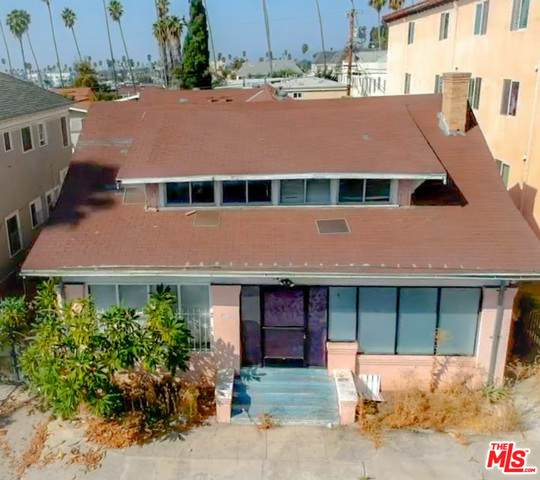 141 N Berendo St, Los Angeles, CA 90004 (#20-650428) :: Berkshire Hathaway HomeServices California Properties