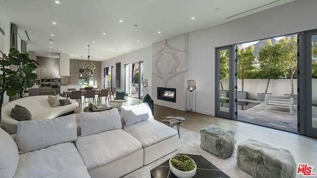 434 N Crescent Heights Blvd, Los Angeles, CA 90048 (#20-650486) :: TruLine Realty