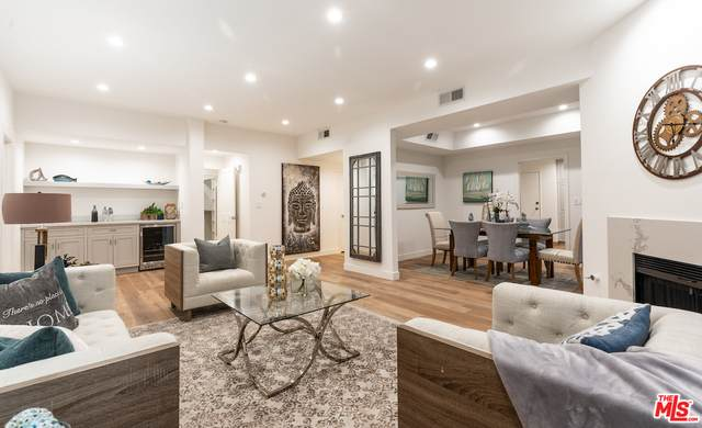 828 S Bedford St #301, Los Angeles, CA 90035 (#20-650780) :: TruLine Realty