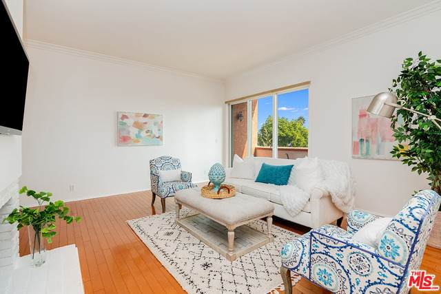 958 18Th St #5, Santa Monica, CA 90403 (#20-650922) :: The Grillo Group