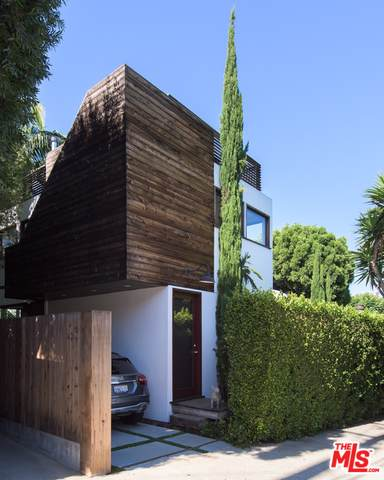 8861 Cynthia St, West Hollywood, CA 90069 (#20-651214) :: The Parsons Team