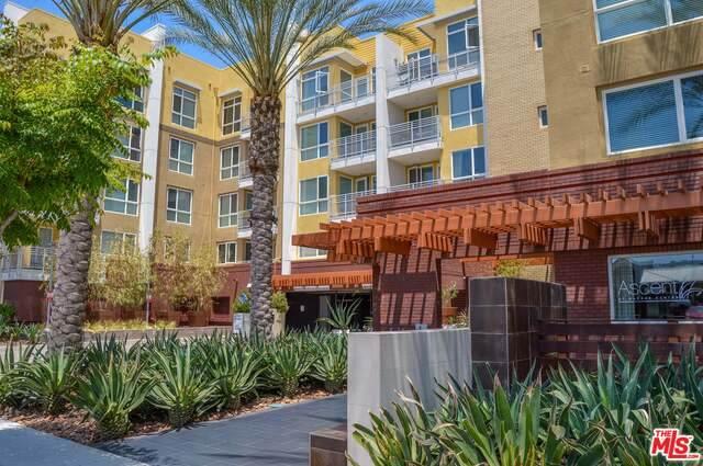 21301 Erwin St #227, Woodland Hills, CA 91367 (#20-651616) :: Randy Plaice and Associates