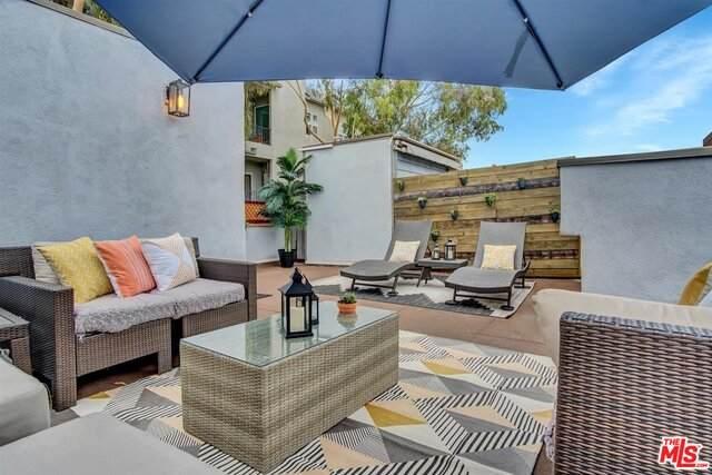 11901 Laurelwood Dr #2, Studio City, CA 91604 (#20-651824) :: Berkshire Hathaway HomeServices California Properties