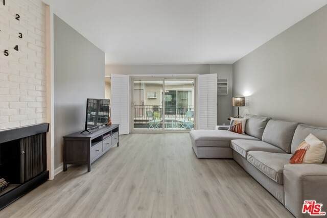 1849 Greenfield Ave #207, Los Angeles, CA 90025 (#20-651864) :: The Parsons Team