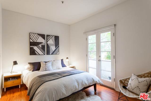 8562 W West Knoll Dr #5, West Hollywood, CA 90069 (#20-651930) :: The Pratt Group
