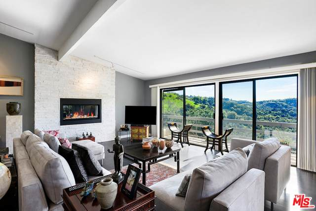 3048 Franklin Canyon Dr, Beverly Hills, CA 90210 (#20-652006) :: The Pratt Group