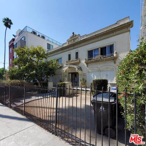 937 Fedora St, Los Angeles, CA 90006 (#20-652012) :: Berkshire Hathaway HomeServices California Properties