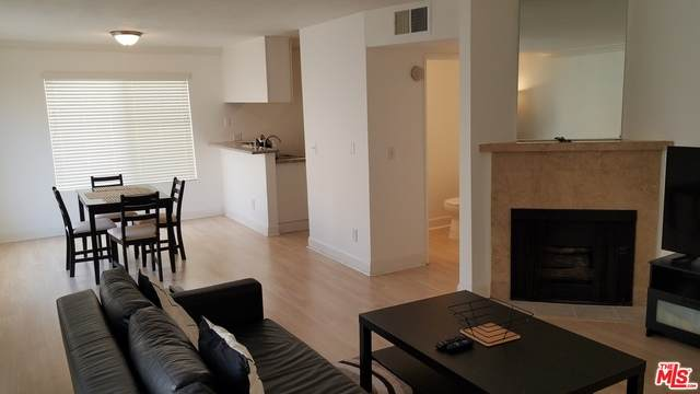 7035 Woodley Ave - Photo 1