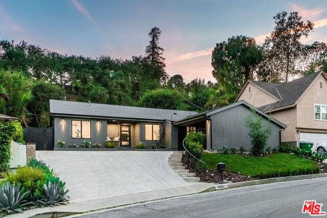3684 Wrightwood Dr, Studio City, CA 91604 (#20-652226) :: Randy Plaice and Associates