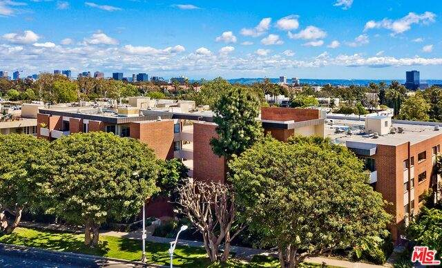 11750 W Sunset Blvd #423, Los Angeles, CA 90049 (#20-652656) :: The Grillo Group