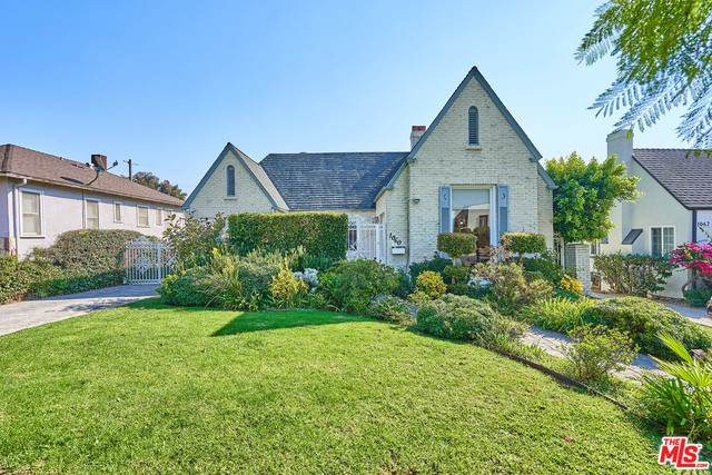 1060 Queen Anne Pl, Los Angeles, CA 90019 (#20-652820) :: The Pratt Group