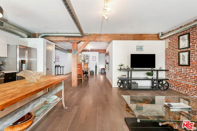 527 Molino St #306, Los Angeles, CA 90013 (#20-652934) :: Arzuman Brothers