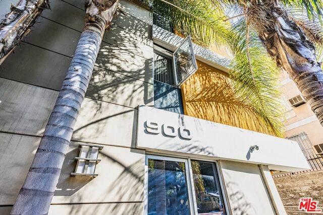 900 S Harvard Blvd #502, Los Angeles, CA 90006 (#20-653162) :: Arzuman Brothers