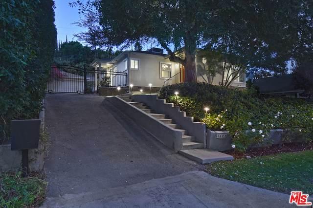 4033 Benedict Canyon Dr, Sherman Oaks, CA 91423 (#20-653246) :: Randy Plaice and Associates