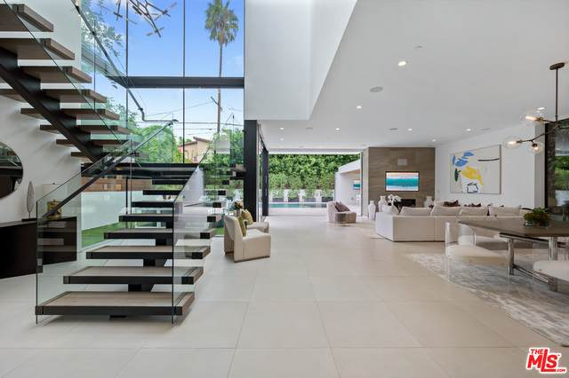 406 S Sycamore Ave, Los Angeles, CA 90036 (#20-653310) :: The Pratt Group