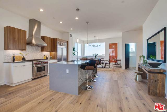 1033 N White Knoll Dr #12, Los Angeles, CA 90012 (#20-653576) :: The Parsons Team