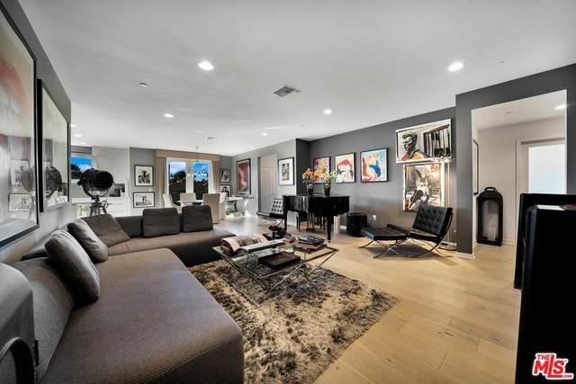 4240 Laurel Canyon Blvd Ph 407, Studio City, CA 91604 (#20-653644) :: The Pratt Group