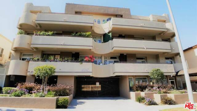 4943 Rosewood Ave #104, Los Angeles, CA 90004 (#20-653752) :: The Pratt Group