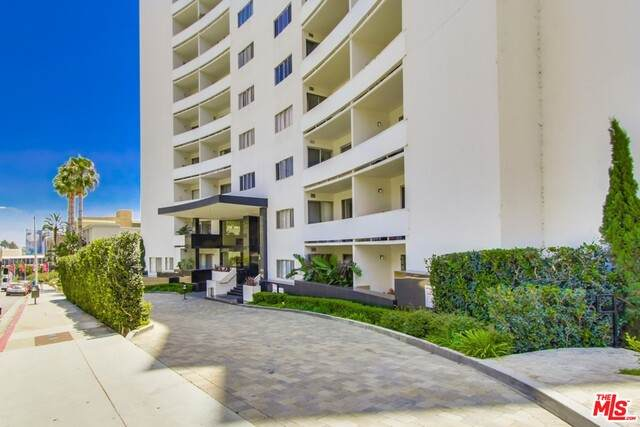 7250 Franklin Ave #1103, Los Angeles, CA 90046 (#20-653972) :: TruLine Realty