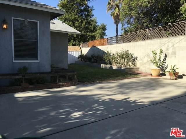 10528 Marklein Ave, MISSION HILLS, CA 91345 (MLS #20-658868) :: The Sandi Phillips Team