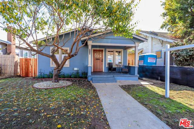 3238 W 27Th St, Los Angeles, CA 90018 (MLS #20-660260) :: Zwemmer Realty Group