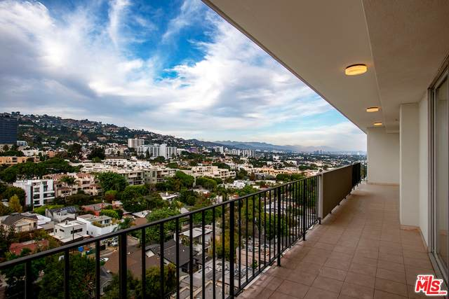 818 N Doheny Dr #1201, Los Angeles, CA 90069 (#20-660998) :: Eman Saridin with RE/MAX of Santa Clarita