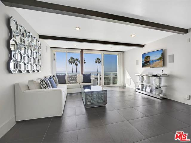 11958 Oceanaire Ln, Malibu, CA 90265 (#20-661052) :: The Pratt Group